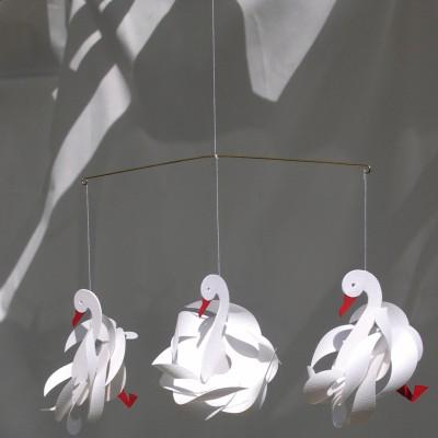 mobile en papier cignes livingly berceau magique. Black Bedroom Furniture Sets. Home Design Ideas