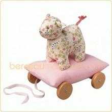 Coussin à roulettes rayé rose Mouton (24 cm)  par Trousselier
