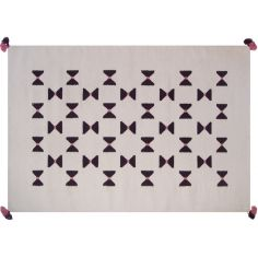tapis graphique une slection de tapis graphiques pour la chambre de bb berceau magique. Black Bedroom Furniture Sets. Home Design Ideas