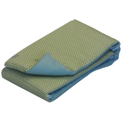 tour de lit clouds vert pour lits 60 x 120 et 70 x 140 cm. Black Bedroom Furniture Sets. Home Design Ideas