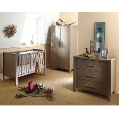 chambre b b pas cher mobilier et d co petit prix en. Black Bedroom Furniture Sets. Home Design Ideas