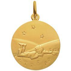 Médaille Le Petit Prince Couché dans l'herbe étoiles 18 mm (or jaune 750°)