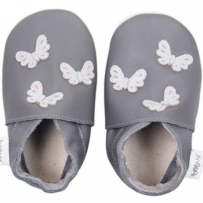 Chaussons en cuir Soft soles papillons gris (9-15 mois)  par Bobux