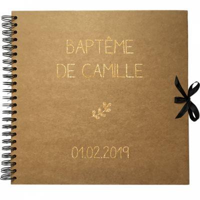 Album photo baptême personnalisable kraft et or (30 x 30 cm)  par Les Griottes