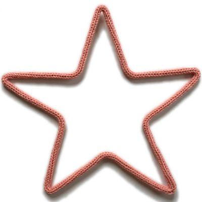 Déco murale petite étoile en tricotin (coloris personnalisable)  par Charlie & June