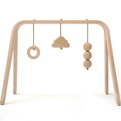 Arche de jeux Naho avec jouets en bois de hêtre  par Charlie Crane