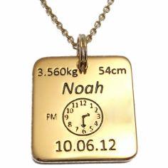 Médaille de naissance carrée avec chaîne (plaqué or jaune)