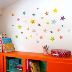 Stickers muraux nuée d'étoiles multicolores
