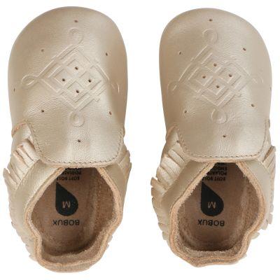 Chaussons bébé en cuir Soft soles doré  (9-15 mois)  par Bobux