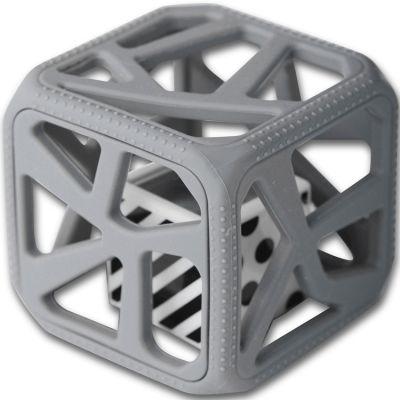 Hochet cube de dentition gris foncé  par Malarkey Kids