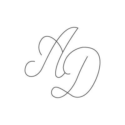 Gravure 2 initiales couplées sur bijou (Typo 9 Script)  par Gravure magique