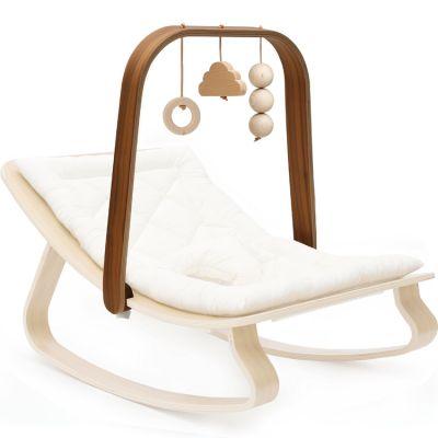 Arche de jeux Levo avec jouets en bois de noyer  par Charlie Crane
