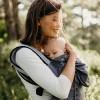 Porte bébé nomade Boba Air gris  par Boba