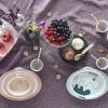 Assiette antidérapante Contour bleu et doré  par Done by Deer