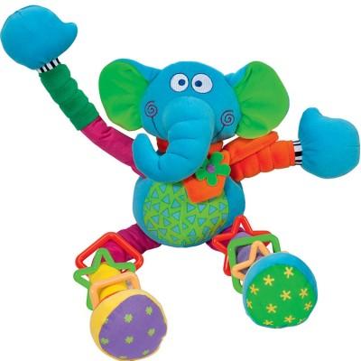 Éléphant fou d'activités