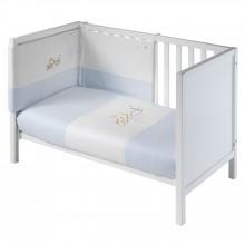 couette tour de lit brod bleu ciel teddy azul 110 x 140 cm par naf naf. Black Bedroom Furniture Sets. Home Design Ideas