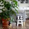 Calendrier perpétuel noir  par A Little Lovely Company
