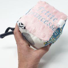 Kit cube d'éveil DIY Lily Rose (personnalisable)