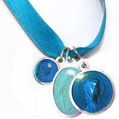 Bracelet ruban bleu et médailles assorties (aluminium et résine)