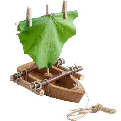 Kit d'assemblage bateau en liège  par Haba