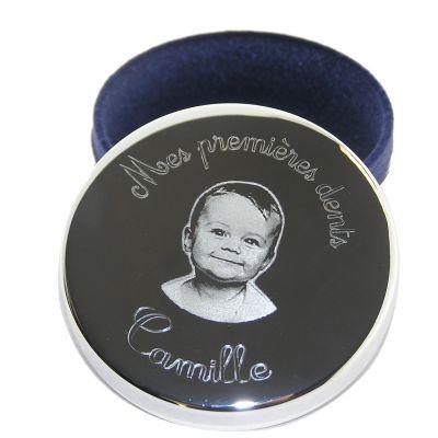 Boîte à dents 'Mes premières dents' avec photogravure 1 visage (plaqué argent)  par Louis de l'Ange