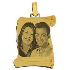 Pendentif grand parchemin avec photogravure 1 à 3 visages (or jaune 750°)