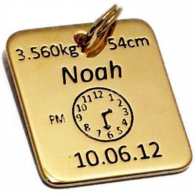 Médaille de naissance carrée (plaqué or jaune)  par Alomi