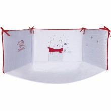 tour de lit blanc rouge avec fond mon petit ourson pour. Black Bedroom Furniture Sets. Home Design Ideas