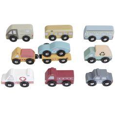 Lot de 9 véhicules en bois
