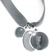 Bracelet ruban gris et médailles assorties (aluminium et résine) - Martineau