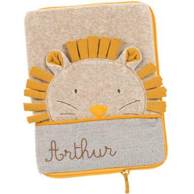 Protège carnet de santé crème Paprika le lion (personnalisable)  par Moulin Roty