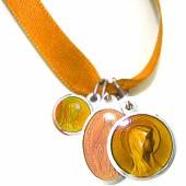Bracelet ruban orange et médailles assorties (aluminium et résine) - Martineau